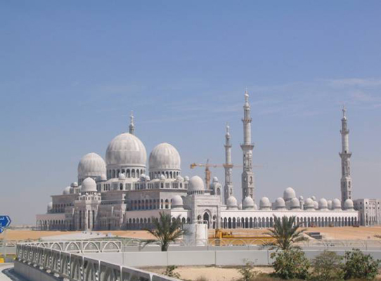 Sheikh Zayed Mosque in AbuDhabi / UAE during the construction
